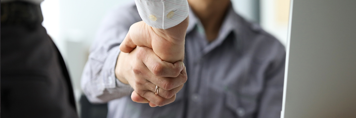 Optimized-Shake_hands
