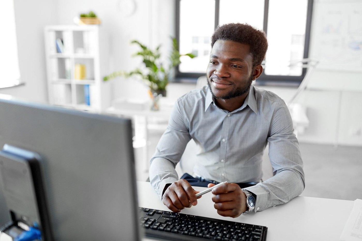 businessman-at-computer-2